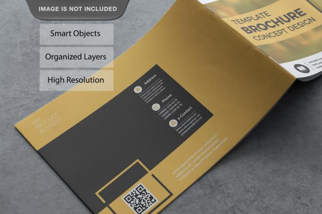 Realistic landscape brochure mockup Premium Psd