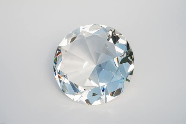 Glass diamond isolated Premium Photo