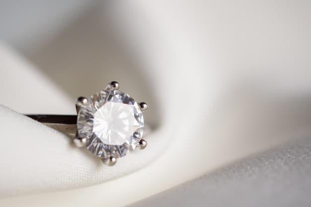 Jewelry wedding diamond ring close up Premium Photo
